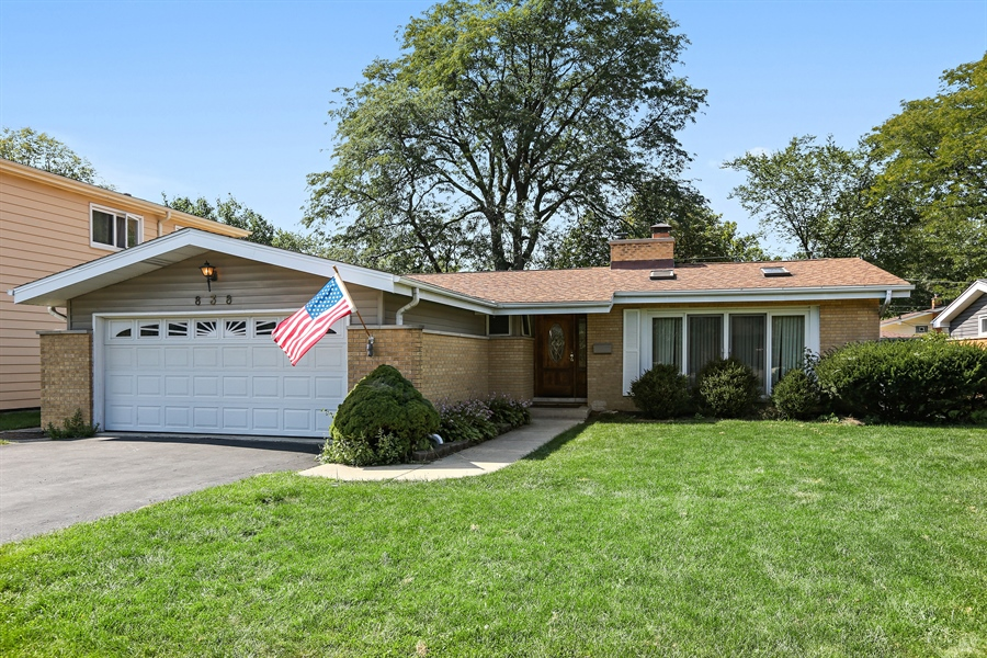 Real Estate Photography - 838 S. Villa Ave., Villa Park, IL, 60181 - Front of Home