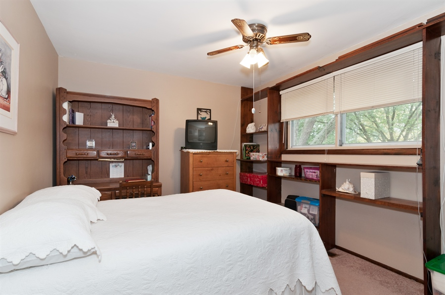 Real Estate Photography - 2280 Durham Dr, Wheaton, IL, 60189 - 2nd Bedroom