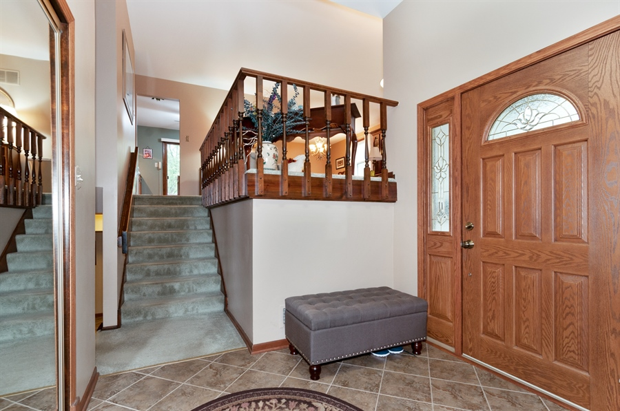 Real Estate Photography - 2280 Durham Dr, Wheaton, IL, 60189 - Foyer
