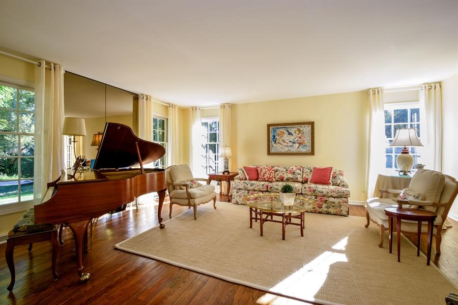 Real Estate Photography - 20 Ashbury Lane, Barrington Hills, IL, 60010 - Living Room