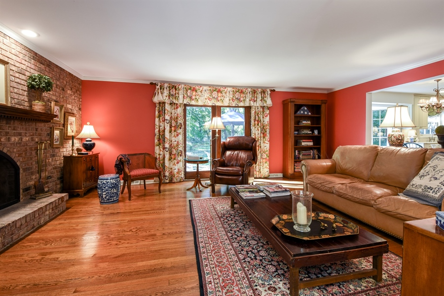 Real Estate Photography - 20 Ashbury Lane, Barrington Hills, IL, 60010 - Family Room
