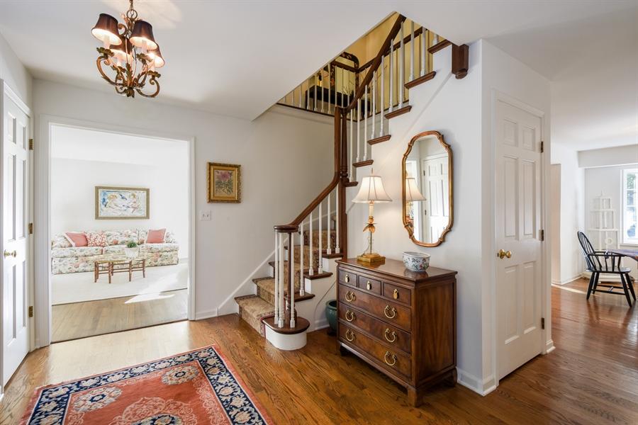 Real Estate Photography - 20 Ashbury Lane, Barrington Hills, IL, 60010 - Foyer
