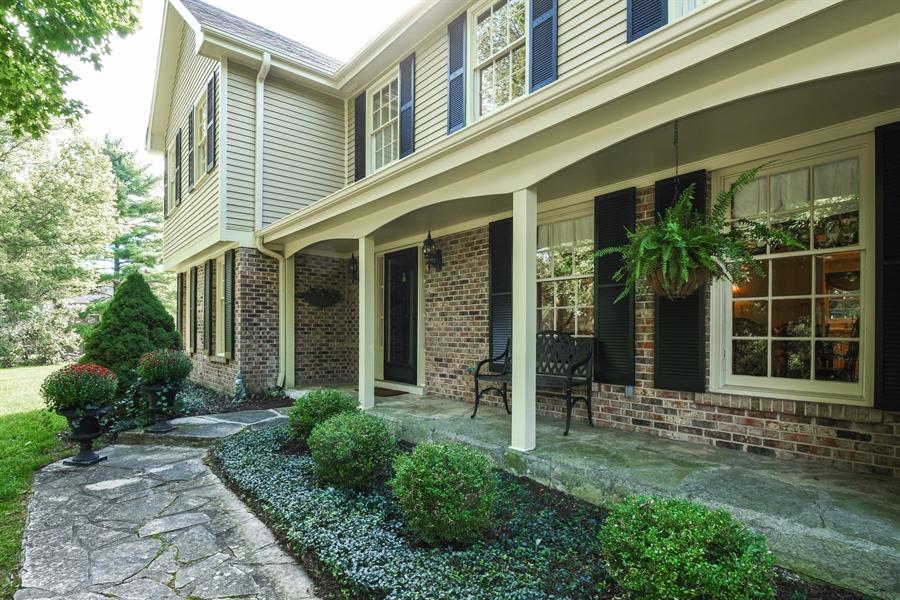 Real Estate Photography - 20 Ashbury Lane, Barrington Hills, IL, 60010 - Porch