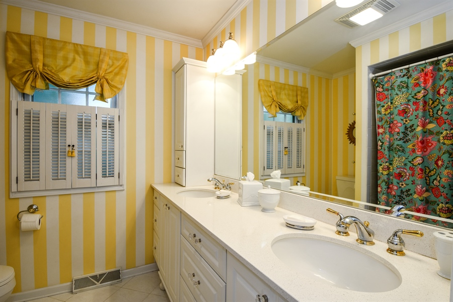 Real Estate Photography - 20 Ashbury Lane, Barrington Hills, IL, 60010 - Bathroom