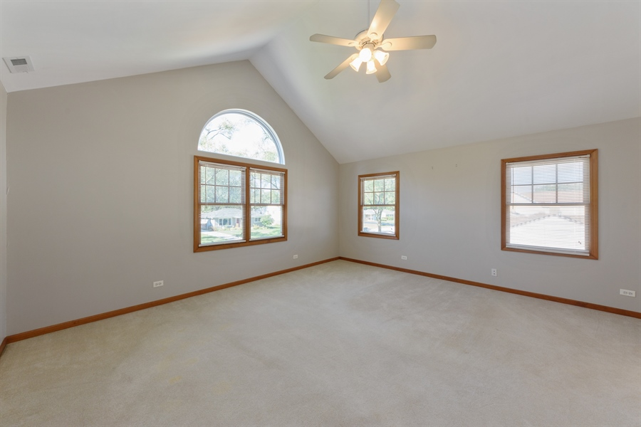 Real Estate Photography - 2404 Robin Ln, Rolling Meadows, IL, 60008 - Master Bedroom
