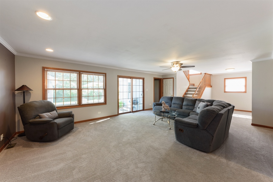 Real Estate Photography - 2404 Robin Ln, Rolling Meadows, IL, 60008 - Family Room