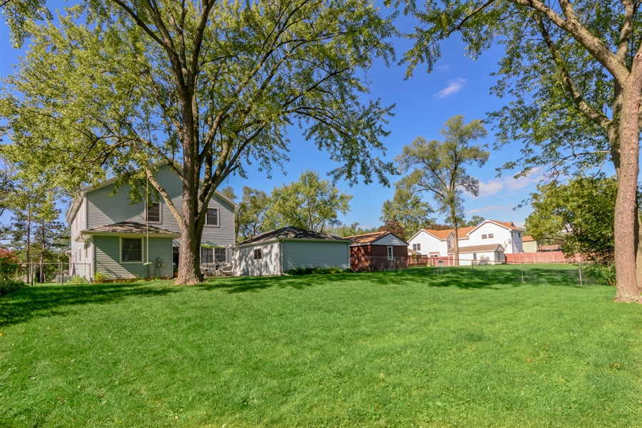 Real Estate Photography - 2404 Robin Ln, Rolling Meadows, IL, 60008 - Rear View