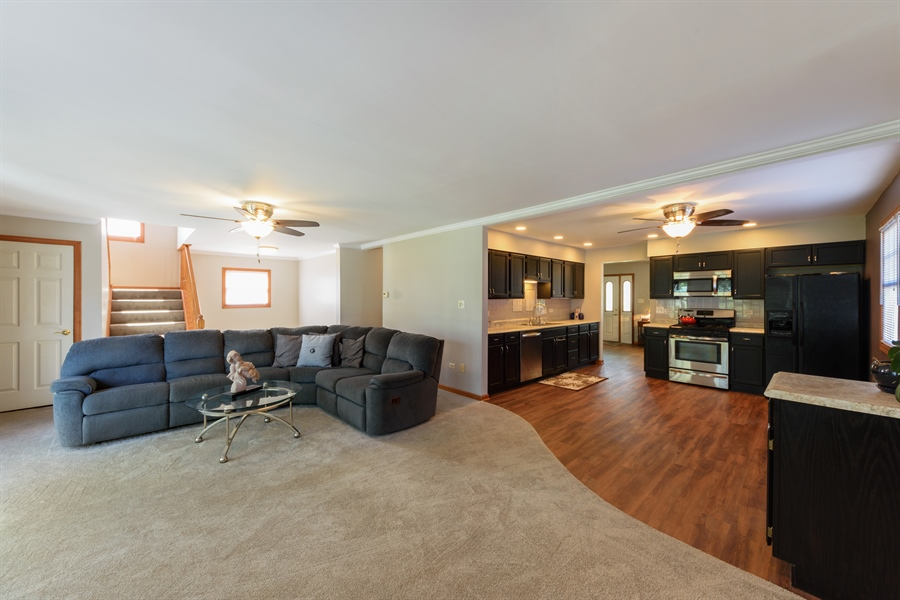 Real Estate Photography - 2404 Robin Ln, Rolling Meadows, IL, 60008 - Family Room / Kitchen