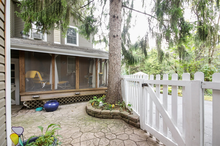 Real Estate Photography - 220 Rust, Willow Springs, IL, 60480 - Side View