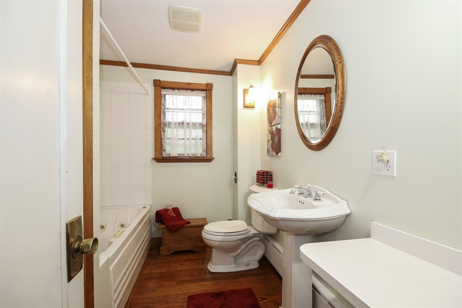 Real Estate Photography - 220 Rust, Willow Springs, IL, 60480 - Bathroom