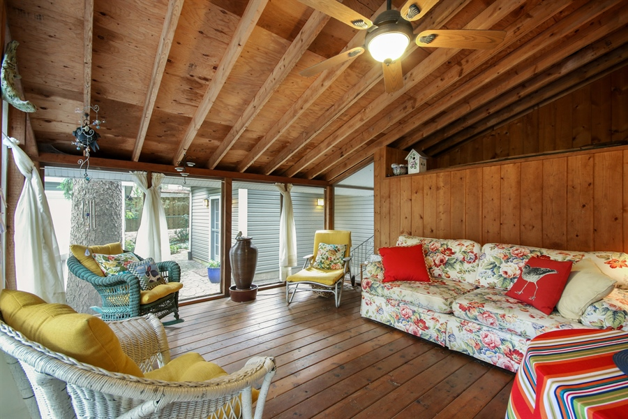 Real Estate Photography - 220 Rust, Willow Springs, IL, 60480 - Sun Room