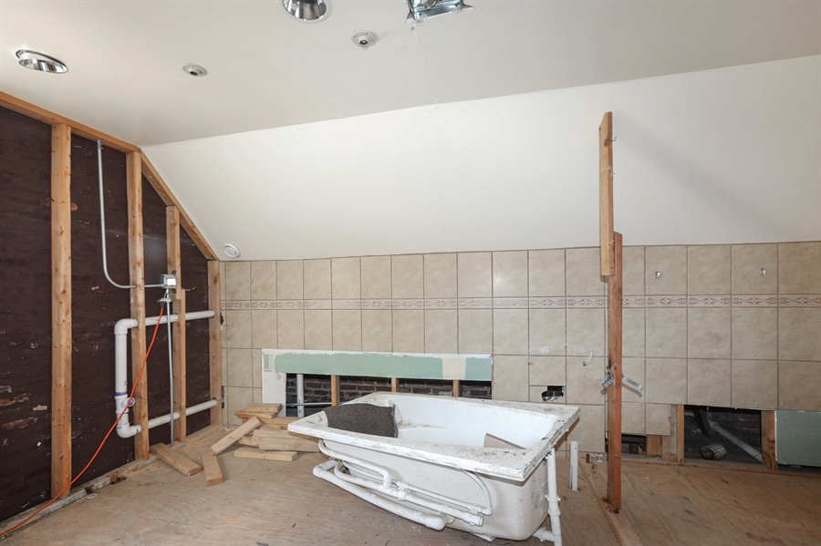Real Estate Photography - 8559 S Muskegon, Chicago, IL, 60617 - Bathroom