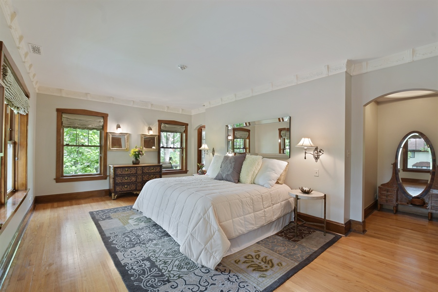 Real Estate Photography - 531 Greenleaf Ave, Wilmette, IL, 60091 - Master Bedroom