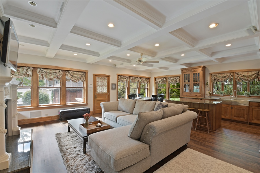 Real Estate Photography - 531 Greenleaf Ave, Wilmette, IL, 60091 - Family Room / Kitchen