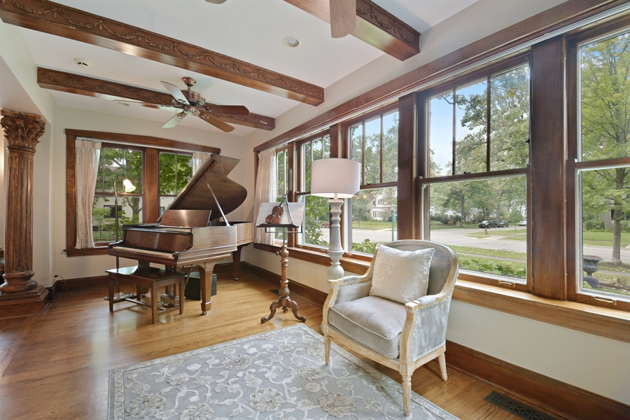 Real Estate Photography - 531 Greenleaf Ave, Wilmette, IL, 60091 - Sun Room