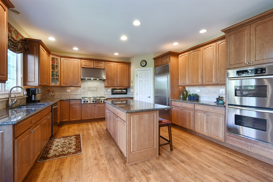Real Estate Photography - 1012 Ridgeview Drive, Inverness, IL, 60010 - Kitchen