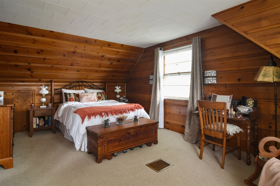 Real Estate Photography - 353 E Washington, Des plaines, IL, 60016 - Master Bedroom