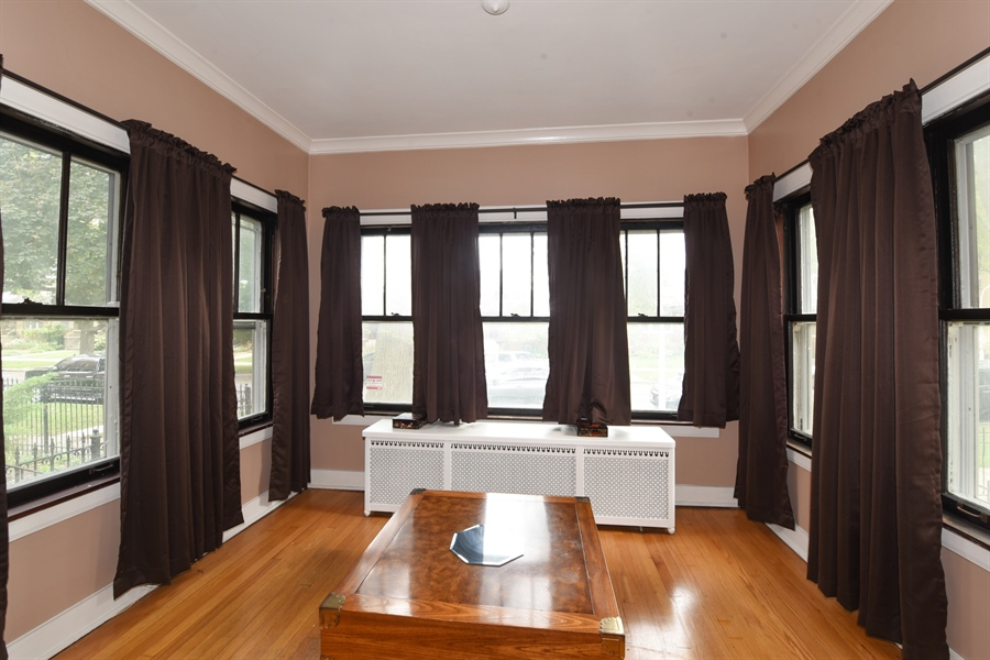 Real Estate Photography - 4206 N. Mozart, Chicago, IL, 60618 - Sun Room