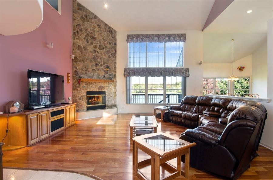 Real Estate Photography - 3013 Raccoon Cove, Island Lake, IL, 60042 - Living Room