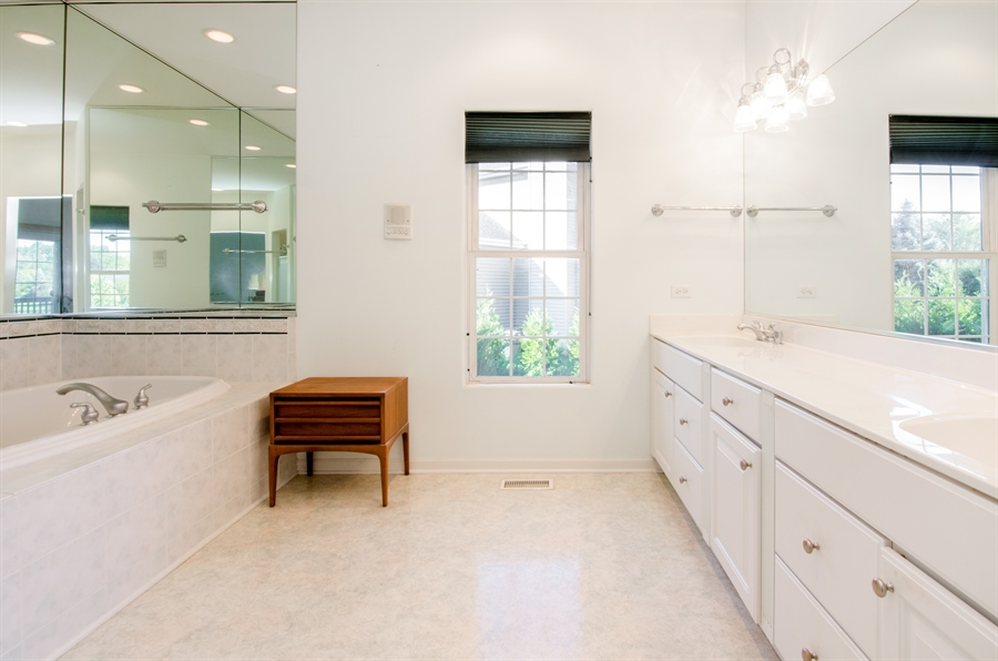 Real Estate Photography - 3013 Raccoon Cove, Island Lake, IL, 60042 - Master Bathroom