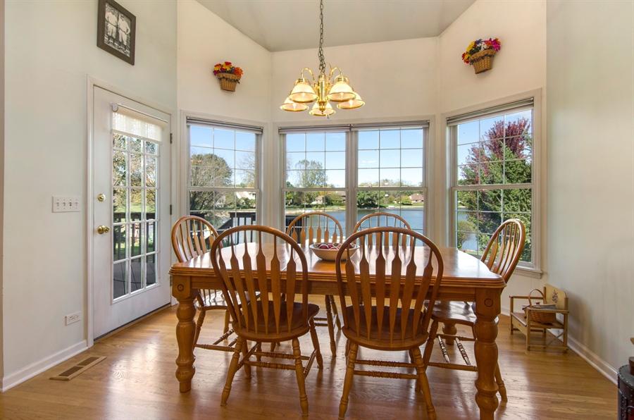 Real Estate Photography - 3013 Raccoon Cove, Island Lake, IL, 60042 - Breakfast Area