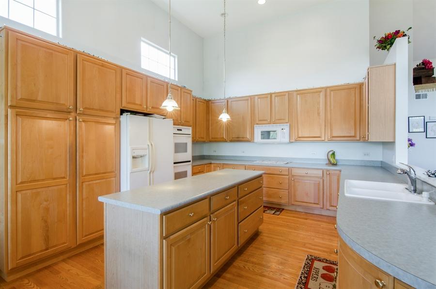 Real Estate Photography - 3013 Raccoon Cove, Island Lake, IL, 60042 - Kitchen