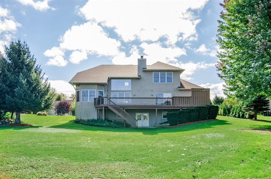 Real Estate Photography - 3013 Raccoon Cove, Island Lake, IL, 60042 - Rear View