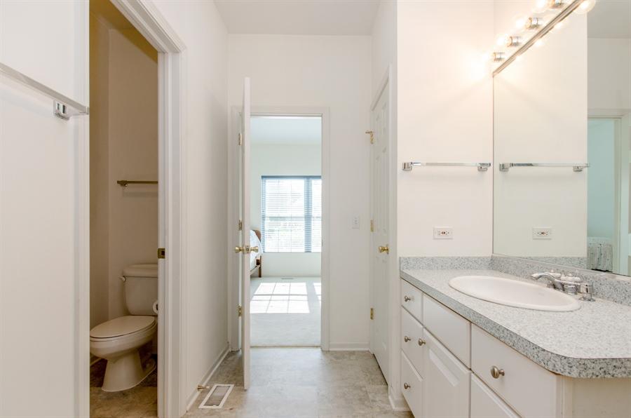 Real Estate Photography - 3013 Raccoon Cove, Island Lake, IL, 60042 - Bathroom