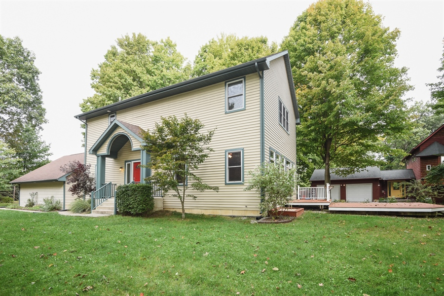 Real Estate Photography - 9871 Lakeview Drive, Berrien Springs, MI, 49103 - Front View