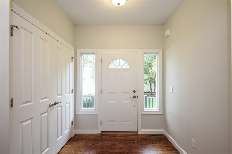 Real Estate Photography - 9871 Lakeview Drive, Berrien Springs, MI, 49103 - Entryway