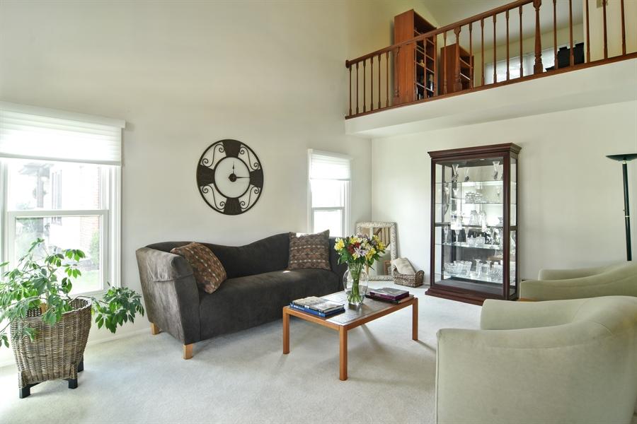Real Estate Photography - 2417 Fabish Ct, Schaumburg, IL, 60193 - Living Room