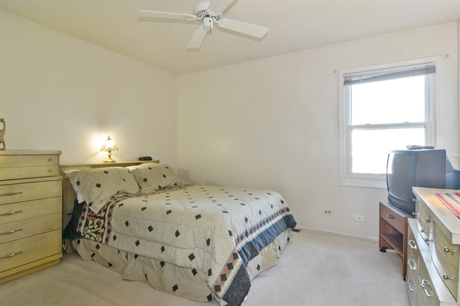 Real Estate Photography - 2417 Fabish Ct, Schaumburg, IL, 60193 - 2nd Bedroom