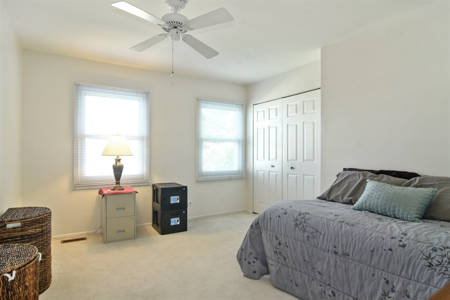 Real Estate Photography - 2417 Fabish Ct, Schaumburg, IL, 60193 - 3rd Bedroom