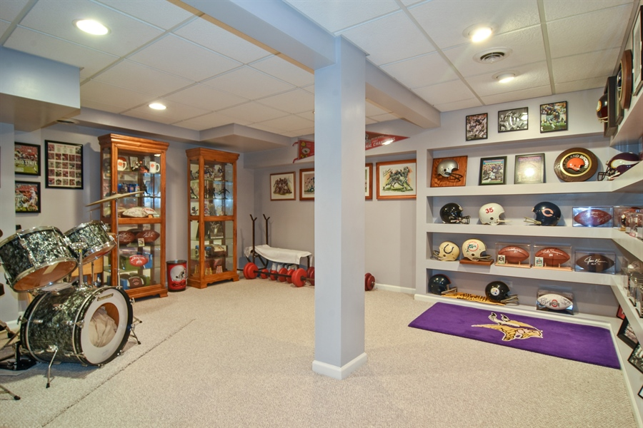 Real Estate Photography - 2417 Fabish Ct, Schaumburg, IL, 60193 - Lower Level