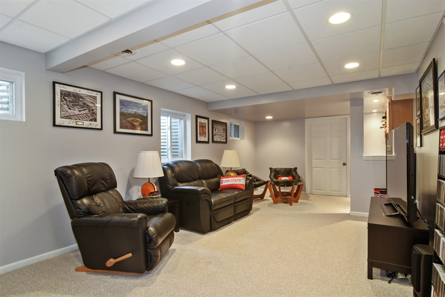 Real Estate Photography - 2417 Fabish Ct, Schaumburg, IL, 60193 - Basement