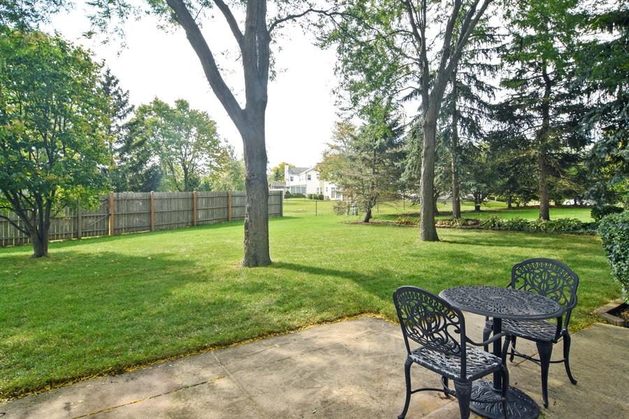 Real Estate Photography - 2417 Fabish Ct, Schaumburg, IL, 60193 - Patio