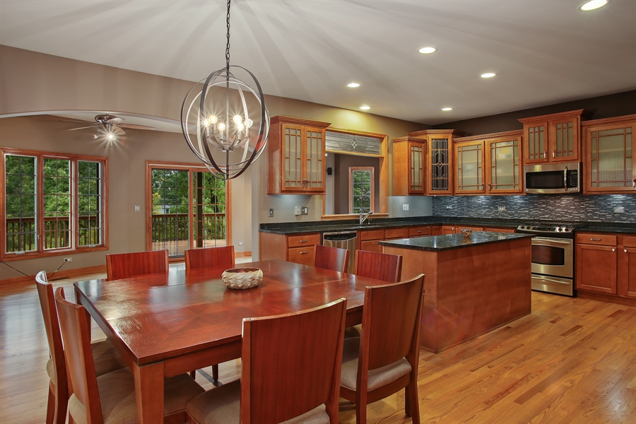 Real Estate Photography - 280 Forest Drive, Addison, IL, 60101 - Kitchen / Breakfast Room