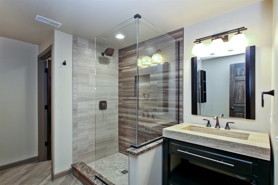 Real Estate Photography - 280 Forest Drive, Addison, IL, 60101 - 2nd Bathroom