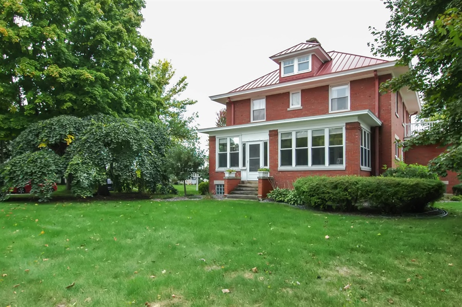 Real Estate Photography - -514 E. Walnut Street, Horicon, WI, 53032 - Side View