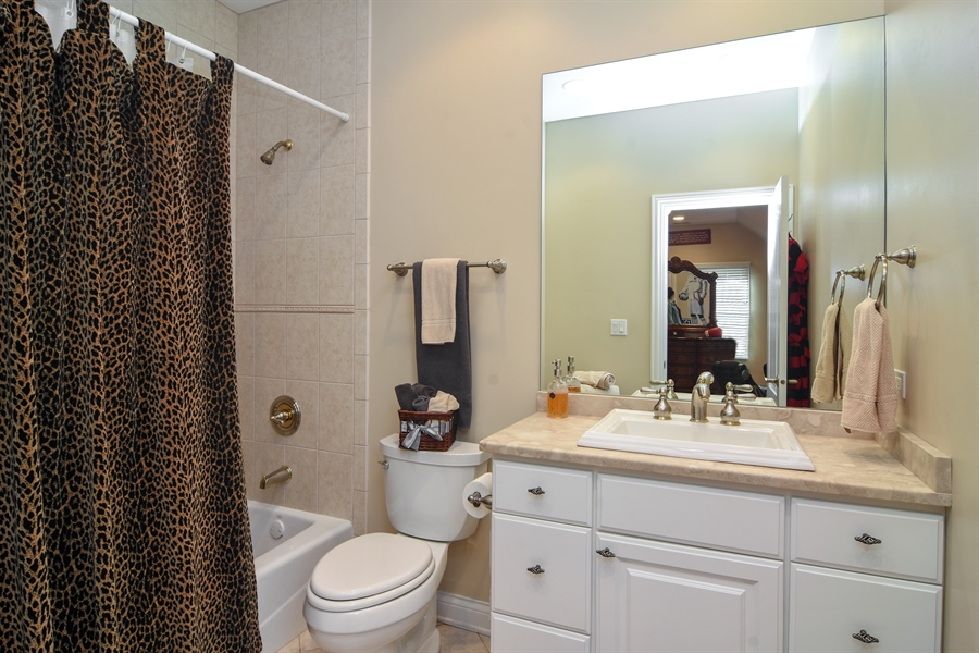 Real Estate Photography - 204 S Evergreen, Arlington Heights, IL, 60005 - 3rd Bathroom