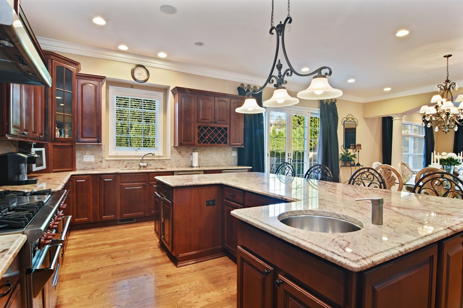 Real Estate Photography - 204 S Evergreen, Arlington Heights, IL, 60005 - Kitchen
