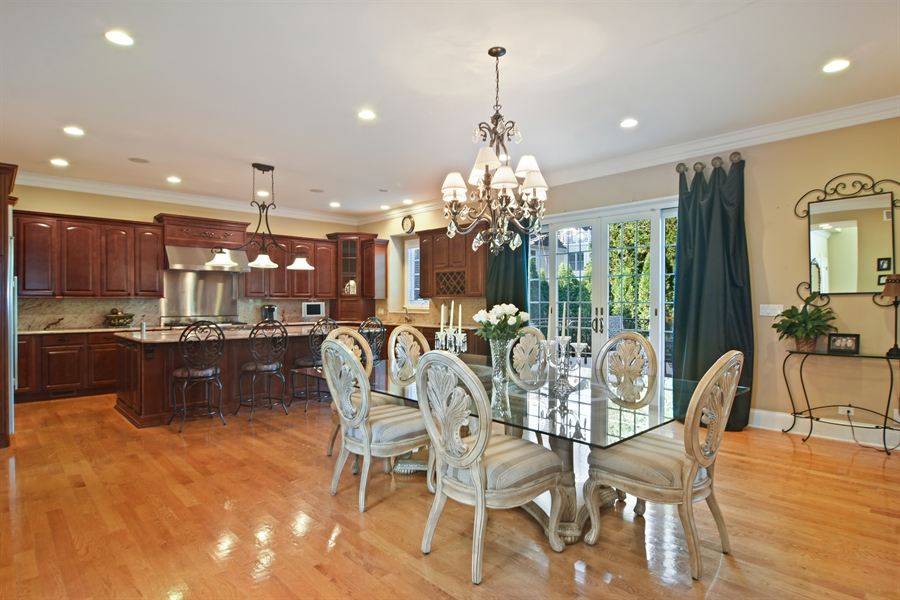 Real Estate Photography - 204 S Evergreen, Arlington Heights, IL, 60005 - Kitchen / Breakfast Room