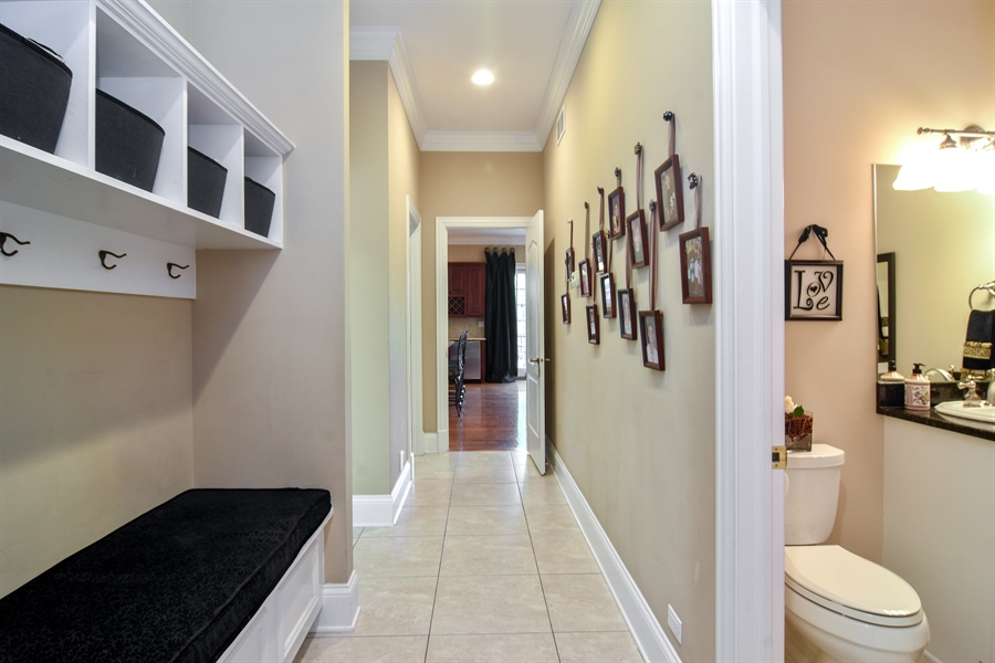 Real Estate Photography - 204 S Evergreen, Arlington Heights, IL, 60005 - Hallway