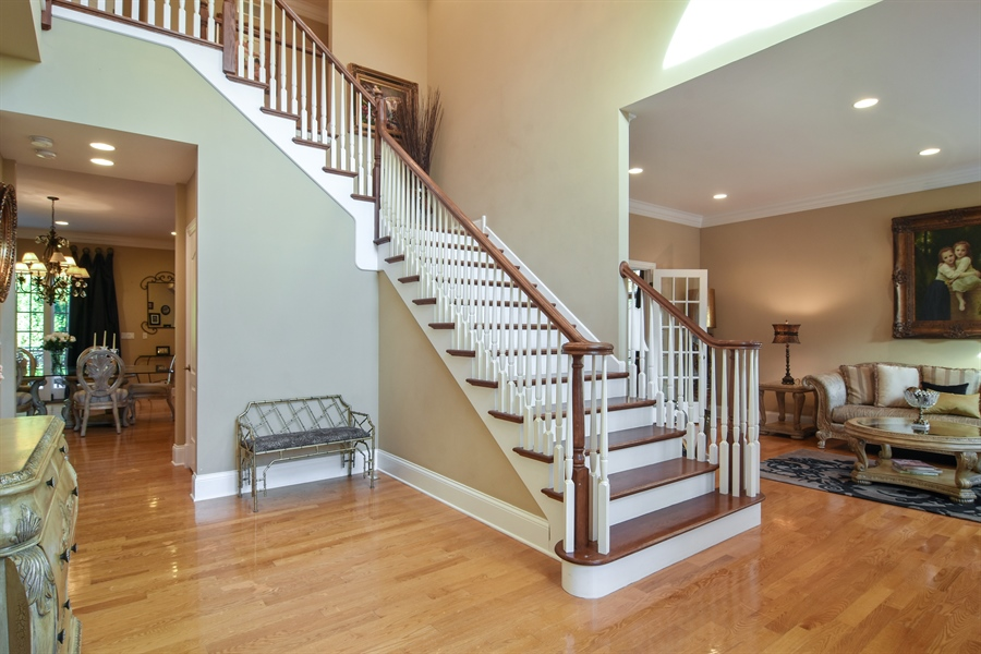 Real Estate Photography - 204 S Evergreen, Arlington Heights, IL, 60005 - Entryway