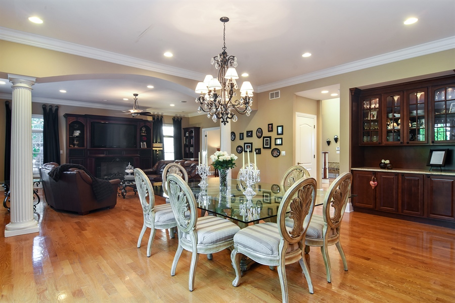 Real Estate Photography - 204 S Evergreen, Arlington Heights, IL, 60005 - Family Room / Kitchen