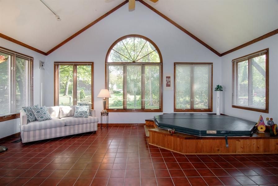 Real Estate Photography - 808 Biltmore Ct., Naperville, IL, 60563 - Sun Room