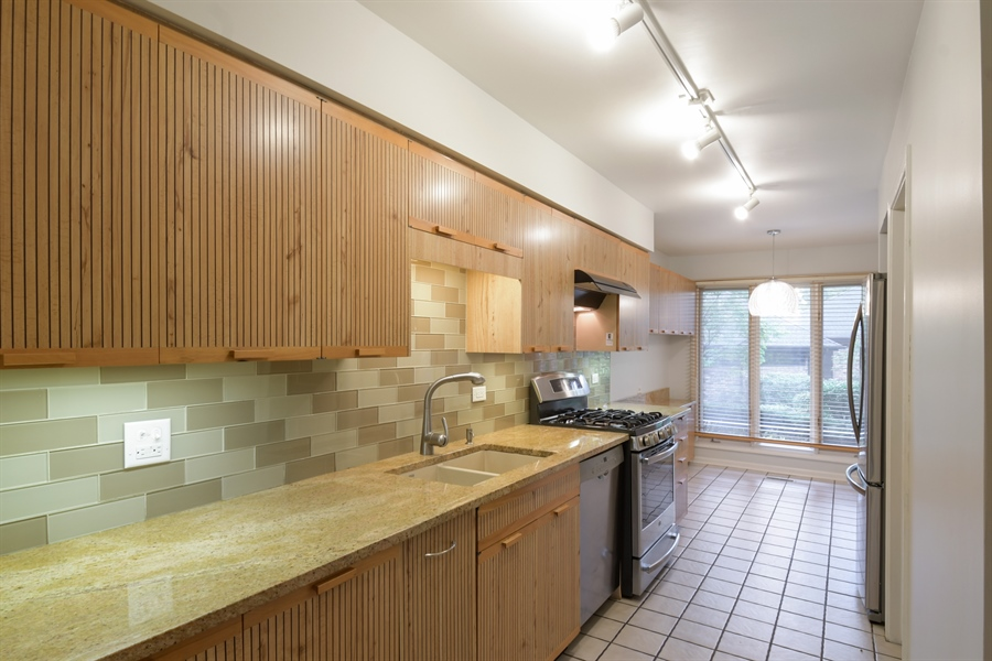 Real Estate Photography - 3873 Mission Hills Rd, Northbrook, IL, 60062 - Kitchen