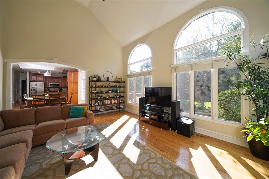 Real Estate Photography - 2253 Innisbrook, Aurora, IL, 60504 - Family Room