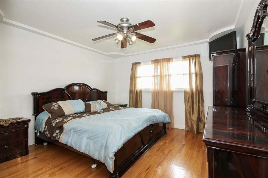 Real Estate Photography - 4517 110th Place, Oak Laawn, IL, 60453 - Master Bedroom
