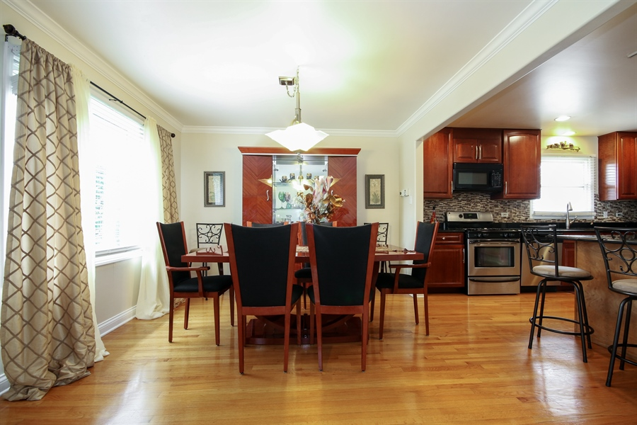 Real Estate Photography - 4517 110th Place, Oak Laawn, IL, 60453 - Dining Room